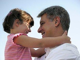 картинки как папа и дочь занимается